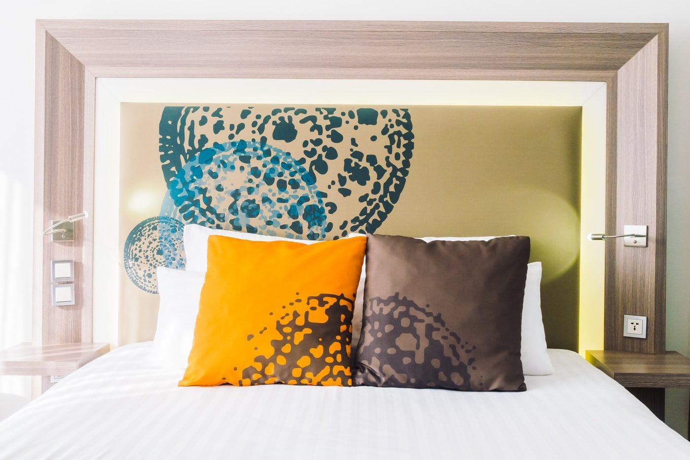 Hotel bed pillows