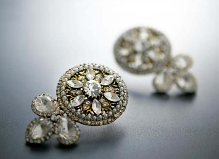 Antique diamond jewelry