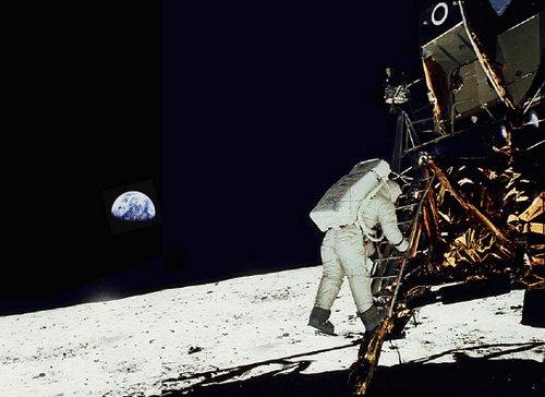 More computing power: Phone or moon rocket? - FindersFree